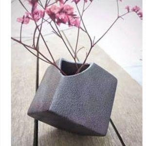New Minimalist Ceramic Vase